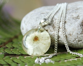 Daisy Necklace Floral resin necklace Silver Jewelry Floral Jewelry Sterling silver Bridal wedding necklace Gift for bridesmaid