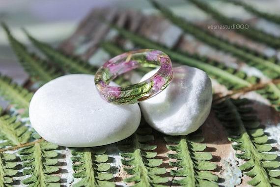 Pink flower ring Resin ring Modern flower child rings Moss rings Eco resin ring Real flower resin ring Dried wildflowers Womens gift