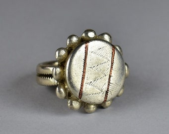 Solid silver ring - Fulani jewelry