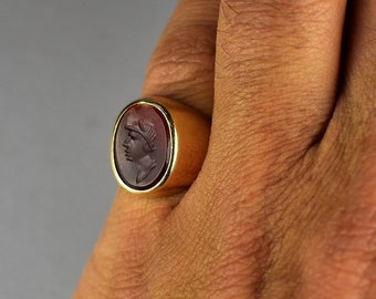 Antique gold ring with roman etched carnelian