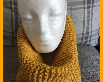 Mustard yellow knitted snood