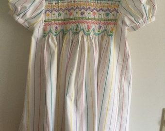 Hand smocked dress ---size 6