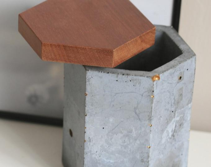 Concrete Container with Lid   Concrete Planter