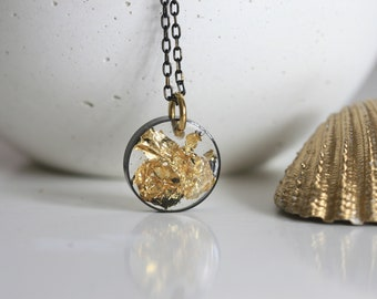 Goldleaf Sphere Necklace