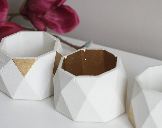 Faceted Concrete Decorative Bowl | Planter | Candleholder | Display | Urban | Industrial