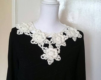 Ready to ship/Crochet white flower triangle collar -decorative collar -woman accessories-bohemian accessories/gift for friends
