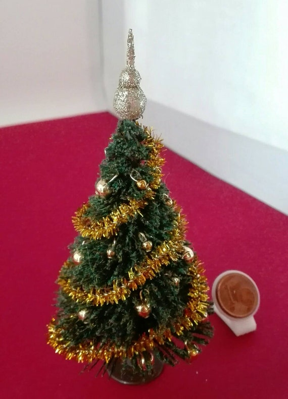 dollhouse doll house miniature CHRISTMAS HOLIDAY WREATH RED POINSETTIA