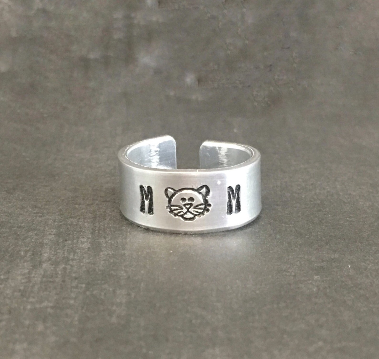 Mom Cat Lover's Ring