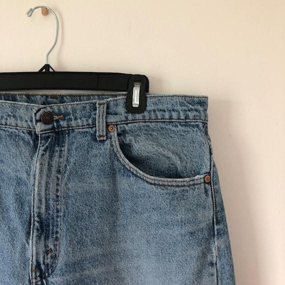 Distressed 505 vintage 36 Levis jeans 90s - image 3
