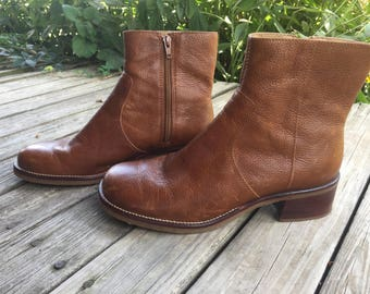 9 90's leather booties