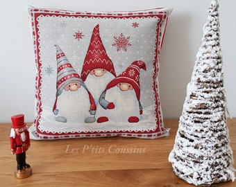 Cushion cover with patterns of 3 Christmas elves in red and white