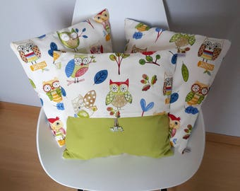 Pillow cover patterned multicolored childish owls for a child's room decor