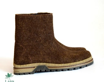 Felted men's boots with a zipper, different colors. handmade, woolen boots, eco shoes