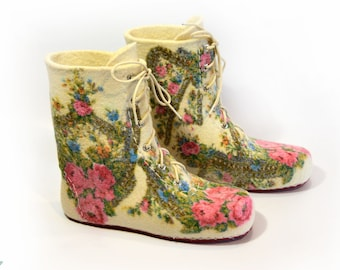 Felted women's indoor boots  with a pattern from Pavlovo Posad shawl