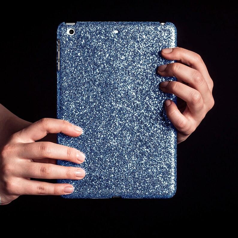 2277e54c2e5 Carcasa bañada en escarcha purpurina para iPad nuevo | Etsy