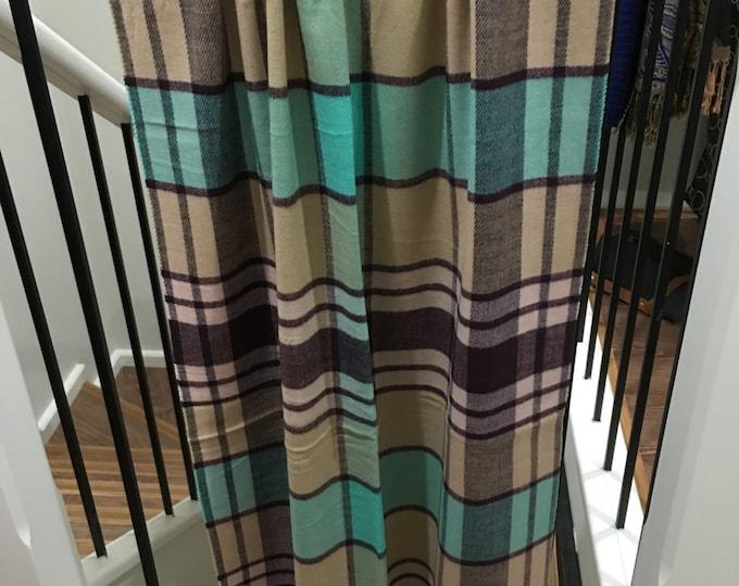 Cashmere feel Plaid shawl Navy/Blue
