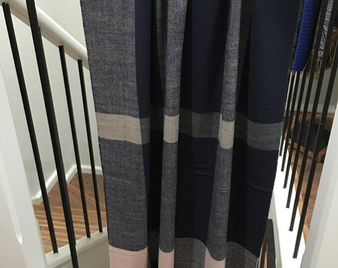 Cashmere feel shawl Purple/Pink