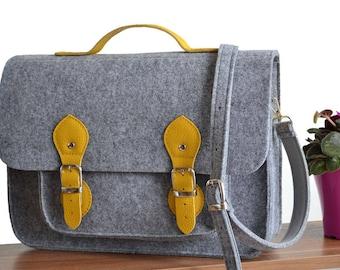 17-inch Macbook Case, 17-inch Messenger Bag, Computer bag, Crossbody Bag, felt bag, office bag, Felt Satchel, Macbook Pro 17 inch case