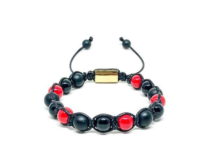 Men's bracelet with red Jade, Onyx and 18k gold over 316L stainless steel signature Gregorio New York logo.