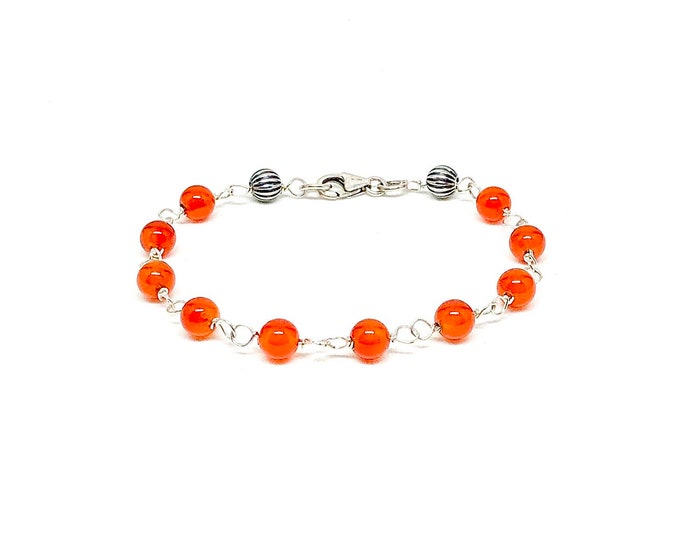 Men's bracelet with orange canerlian and 925 silver.
