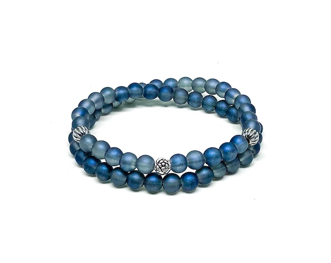 Men's bracelet with Iolite and 925 Silver beads.
