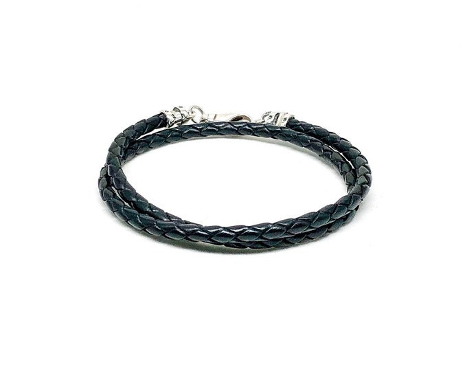 Men's black leather bracelet with 925 silver clasp.