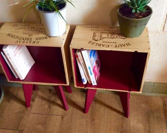 Set of 2 bedside tables in case of wine compass feet. Handmade