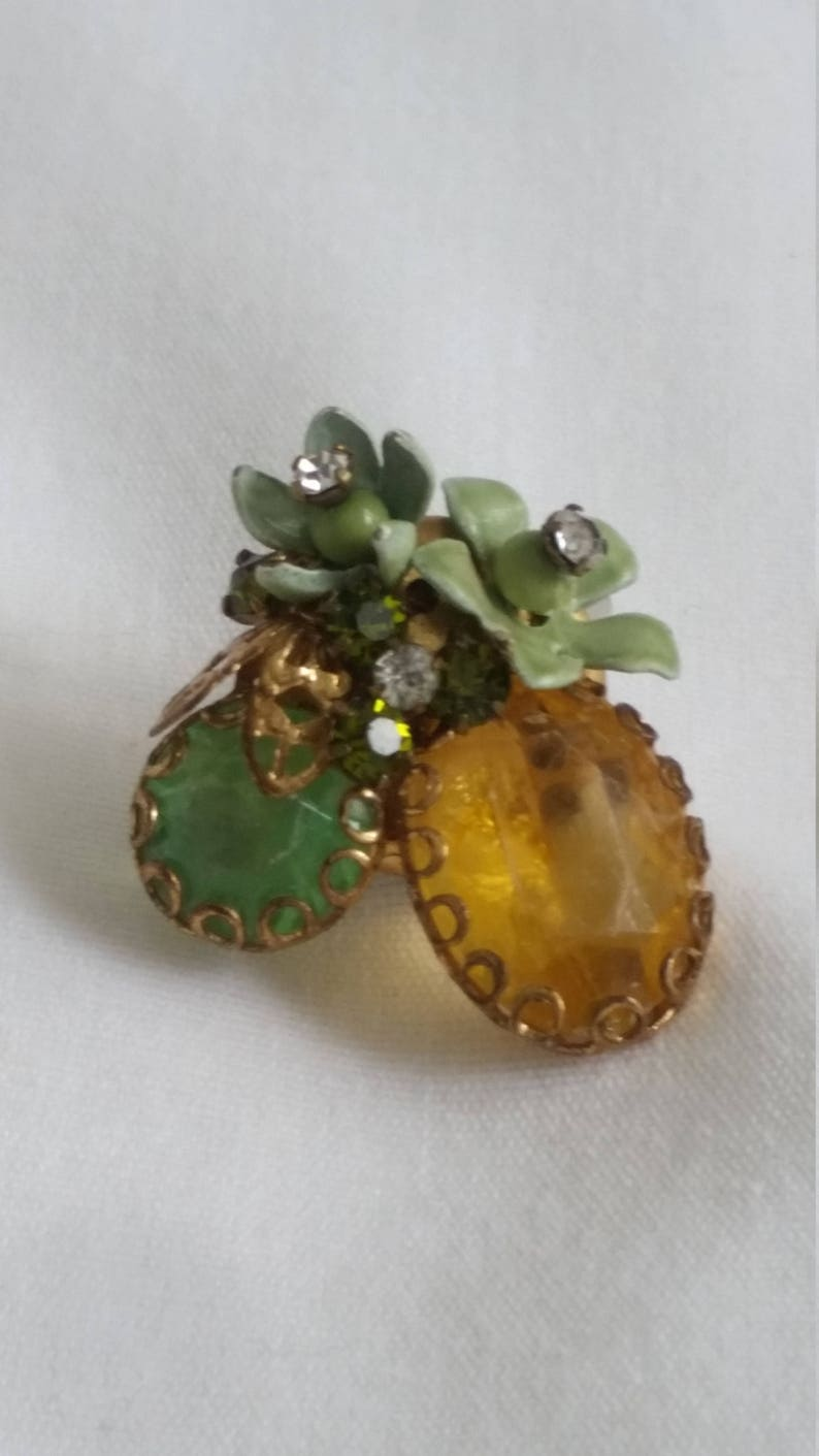 Amber and Green Pin
