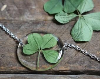Circle Four Leaf Clover Bracelet