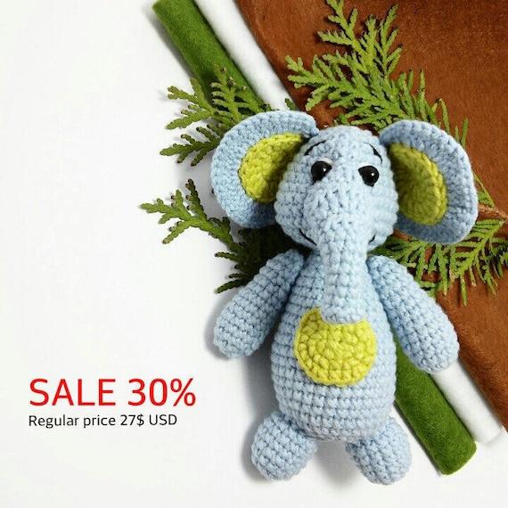 Artículos similares a VENTA Crochet elefante pequeño zoológico amigurumi  elefante peluche juguete elefantito africano animales Mini crochet animales  selva ... ae269e48b63