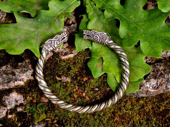 Gothic Bracelet for Celtic Pagan Viking Bracelet Wolf Fenrir Vintage Nordic Scandinavian Talisman Wolf Silver
