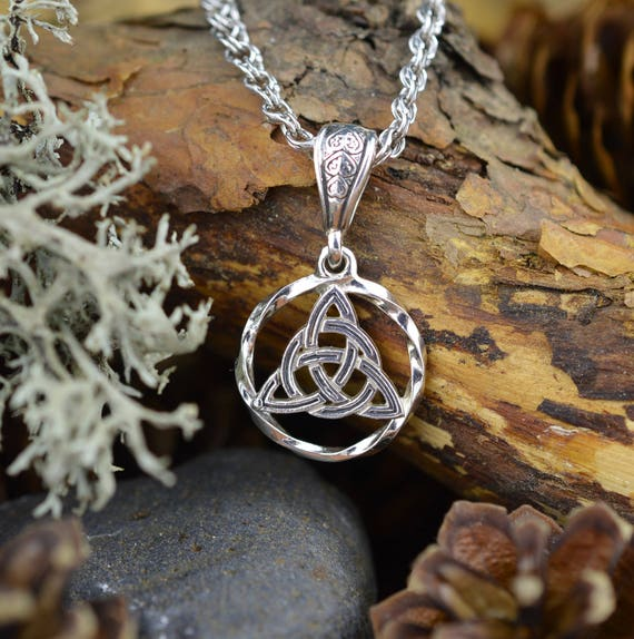 Triquetra Celtic Knot Magic Symbol Witchcraft Sacred Trinity Etsy
