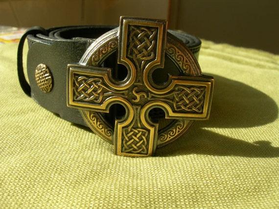 Ceinture en cuir avec boucle en Bronze massif. Croix celtique.   Etsy 61f87b07b31