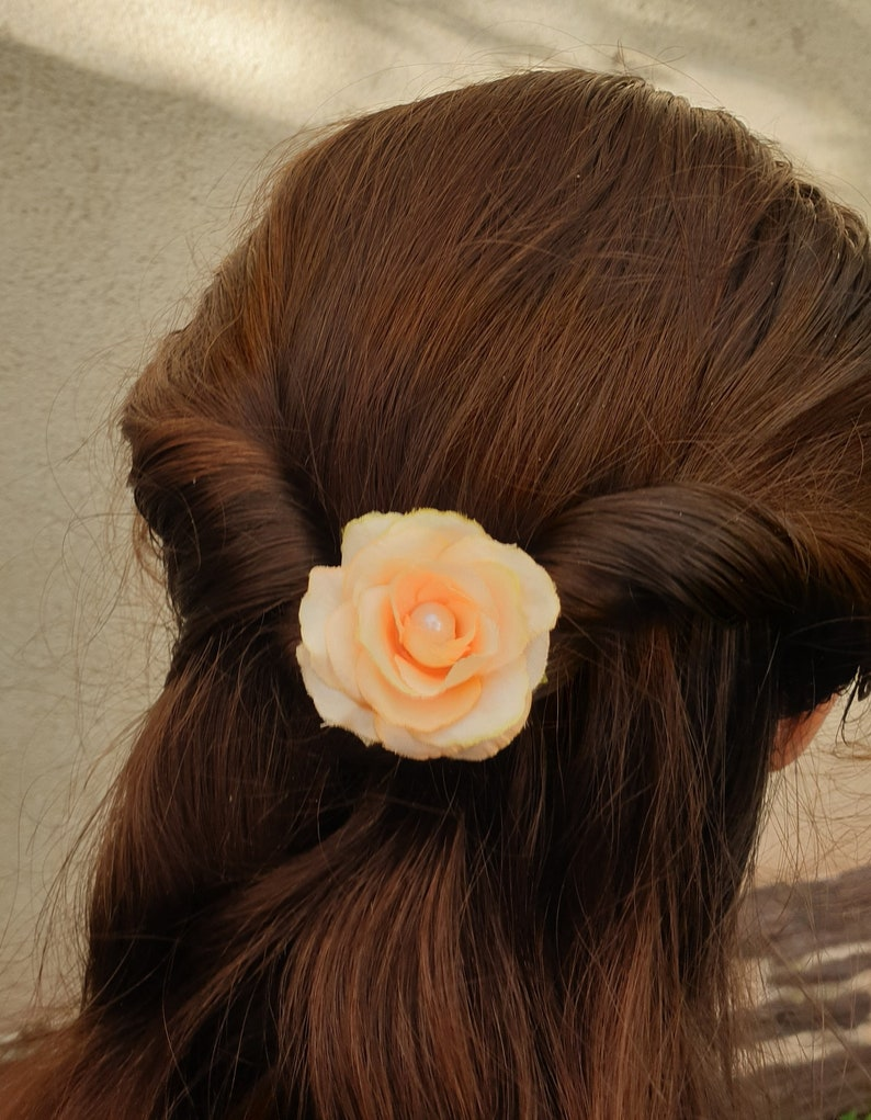 Saperlipopette Creation Peach-colored pink hair pic country-themed bride hairstyle