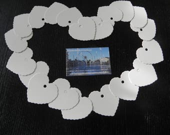 25 labels white cardboard hearts that measure 5.5 x 5.8 CM