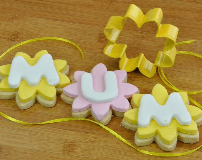 Metal Flower Cutter for Cookies, Biscuits, Fondant Icing, Pastry or Clay