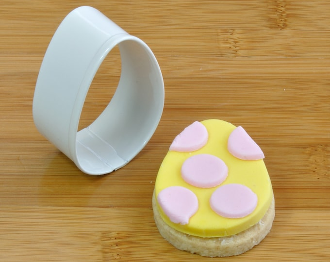 Easter egg cutter for cookies, biscuits, fondant icing, pastry or clay modelling!