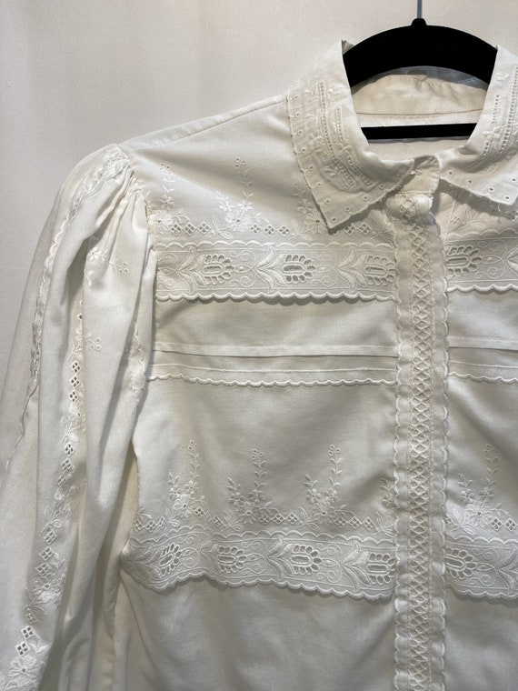Vintage White Embroidered Puff Sleeve Top, Medium - image 2