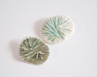 Broche bijoux vert NENUPHAR - Porcelaine et émail Céladon bijoux femme