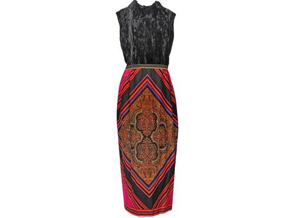 mod black volup dress size 2X 70s daisy pattern shift dress 1970s Mod Vintage plus size sleeveless floral day dress