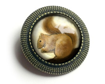 Squirrel with a Nut woodland friend vintage 70/'s hat pin lapel pin