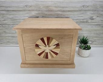 Intarsia Memory Box, Solid Wood Keepsake Box Personalized with Front Wood Intarsia Design