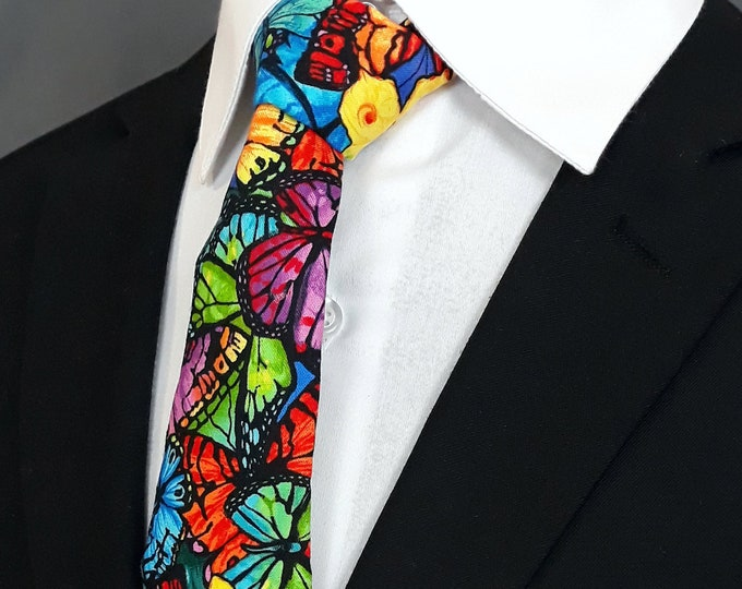 Ties with Butterflies – Mens Necktie with Butterfly Pattern.