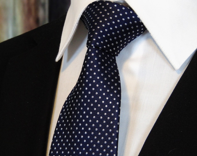 Navy Necktie – Mens 100% Silk Navy Blue Tie.