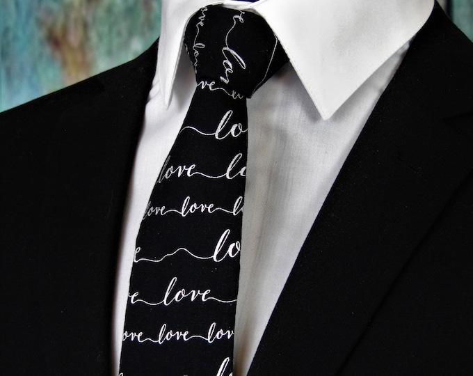Ties for Valentines – Mens Valentines Day Necktie. Available as a Skinny Tie and a Extra Long Tie.