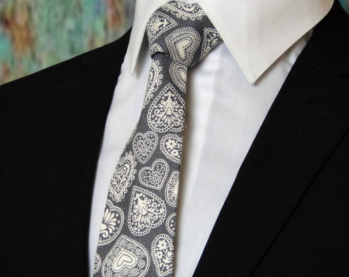 Valentines Necktie – Mens Valentines Hearts Necktie, Also Available as a Skinny Tie.