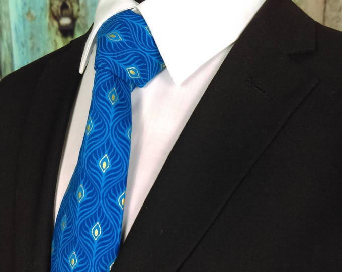Peacock Feathers – Mens Blue Peacock Feathers Tie.