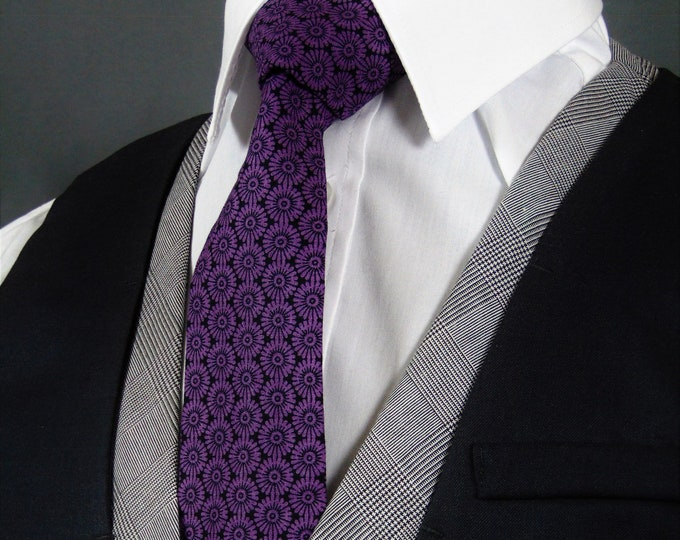Purple Tie – Balck and Purple classic Necktie for Men.