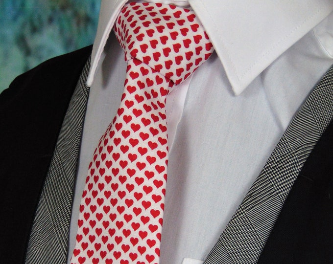 Valentines Necktie, Mens White with Red Hearts Tie