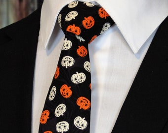 30b9554f7787 Halloween Neck Tie – Mens Halloween Necktie with Pumpkins